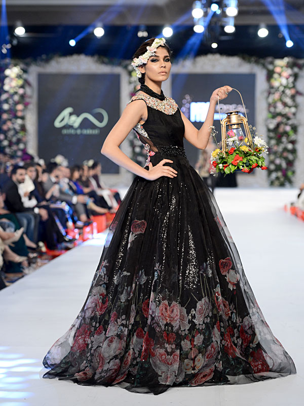 0bb9ef2802 PFDC L`Oreal Paris Bridal Week 2015: Day 3. asifa & nabeel