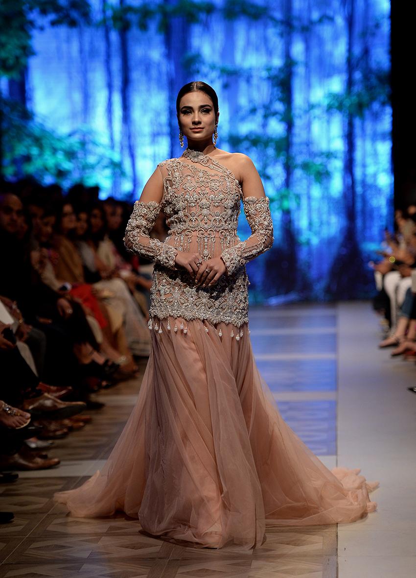 b3a95ed123 Pakistan Fashion Design Council – Sana Safinaz